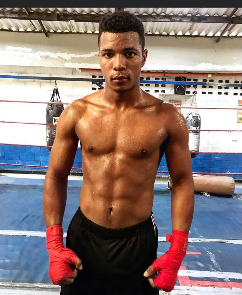 Unbeaten Super Bantamweight Dervin Rodriguez has signed a promotional deal with Shapiro Sports & Entertainment